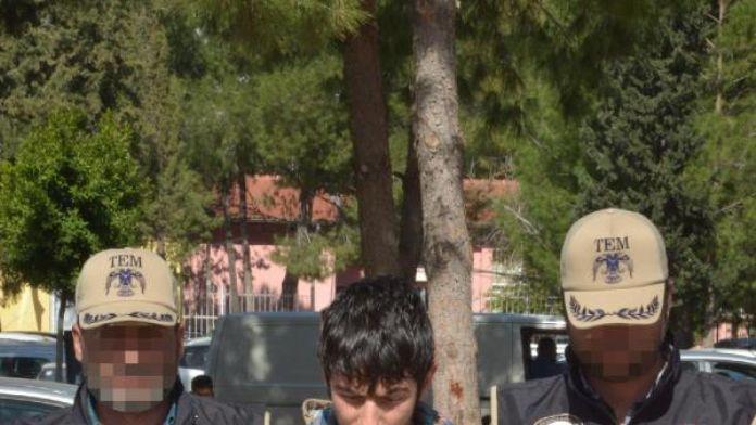 Polise el yapımı bomba atan genç yakalandı