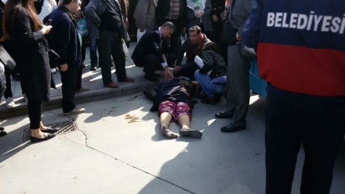 Halk Otobüsü Kadına Çarptı: 1 Ölü