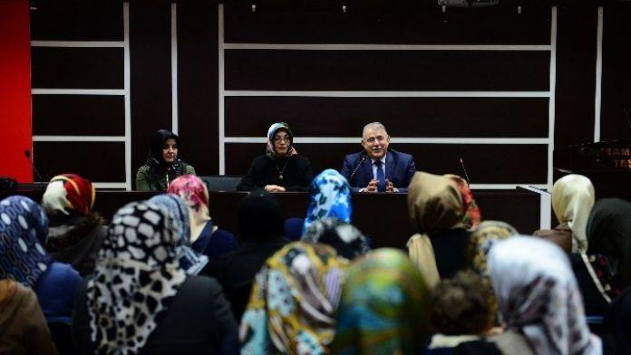 Başkan Mahçiçek AK Parti Kadın Kolları İle Bir Araya Geldi