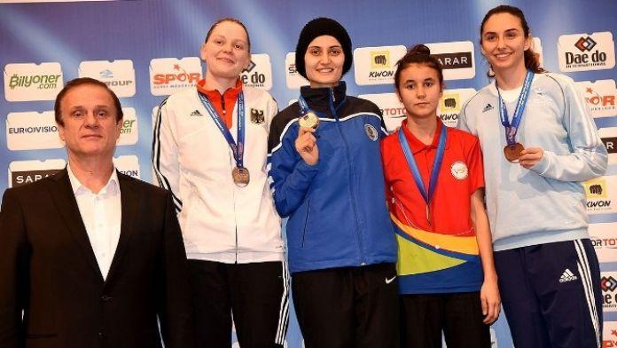 Selçuklu Belediyesi Spor Kulübü Tekvando Kulüpler Avrupa Şampiyonu Oldu