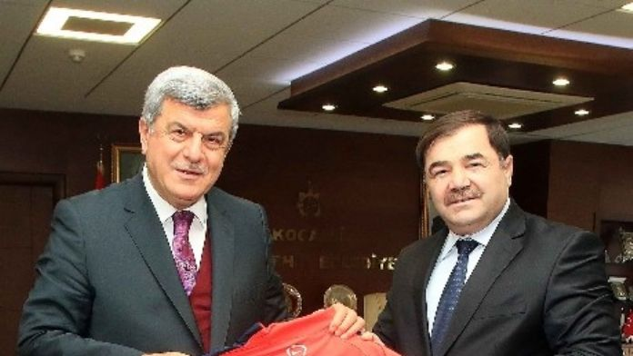 Başkan Karaosmanoğlu, 'Güreşte Altyapıya Yöneliyoruz'