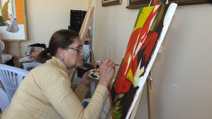 Kadın Ressamlar İslam Mitologyası Sergisine Hazırlanıyor