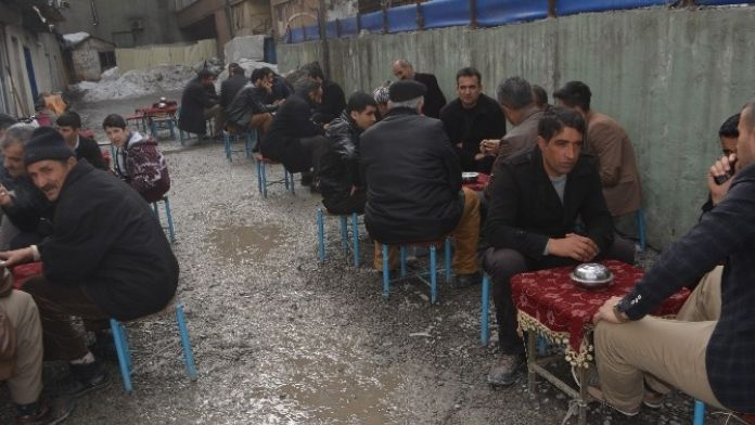 Hakkari'de Havalar Isında Kahveler Şenlendi