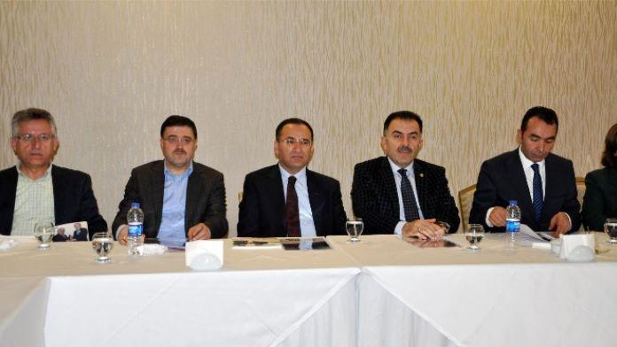Bozdağ:'CHP 1982 anayasasından rahatsız değil'