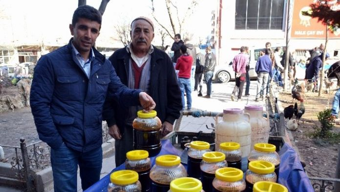 Siirt'in Yerli Pekmezi Rağbet Görüyor