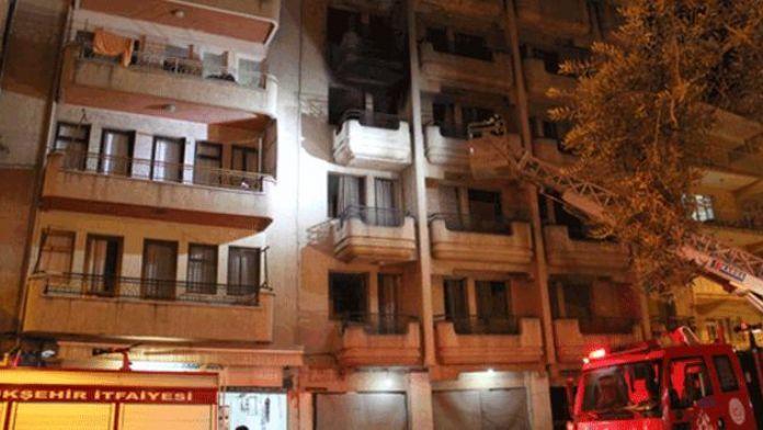 Kuşadası'nda otel yangını