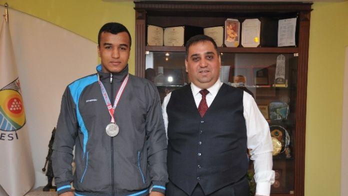 Tarsuslu Sporcuların Başarısı