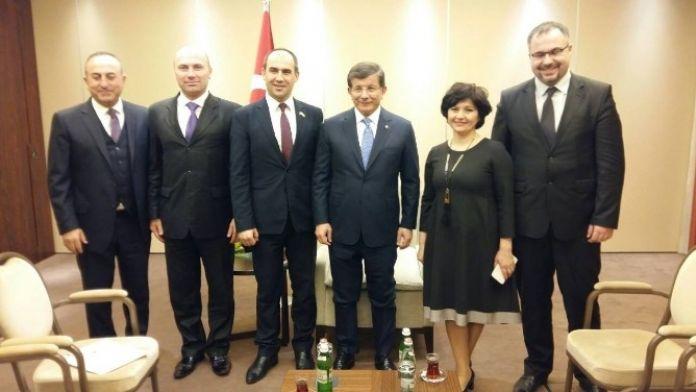Başbakan Ahmet Davutoğlu KLÜ Öğretim Üyesinin De Yer Aldığı Ukrayna Gagauzları Heyetini Kabul Etti