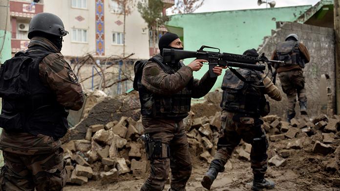 Sur'dan acı haber: Bir asker şehit
