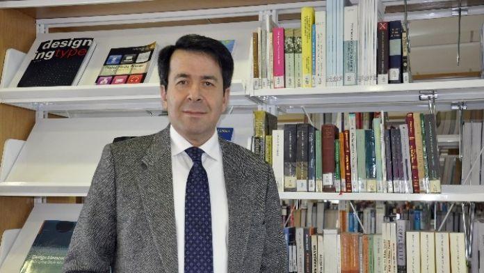 Prof. Dr. Hasan Ünal: 'Merkel, Türkiye'nin Gönlünü Almaya Çalışıyor'