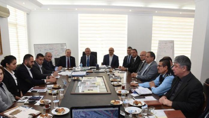 Milletvekili Faruk Özlü Belediye Koordinasyonunda