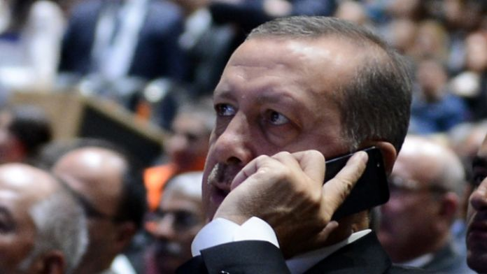 Erdoğan'dan Arınç'a taziye telefonu