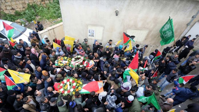 İsrail askerlerinin öldürdüğü 2 Filistinli defnedildi