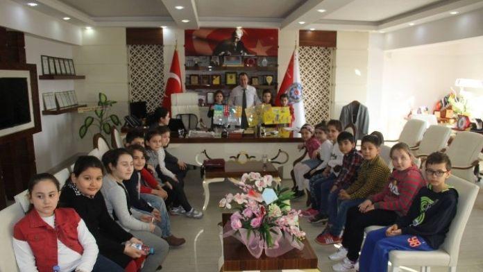 Minik Öğrencilerden Emniyet Müdürü Tezsever'e Ziyaret