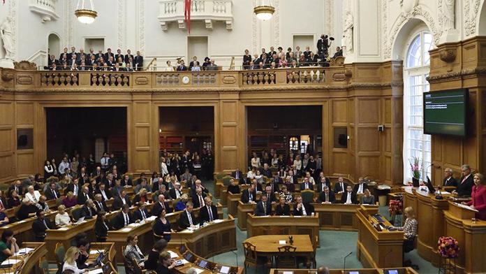 Danimarka'da hükümet krizi patlak verdi