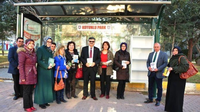 Karaman'da 'Her Durakta Bir Kitaplık' Projesi