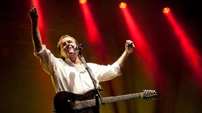 Chris de Burgh comes to Istanbul
