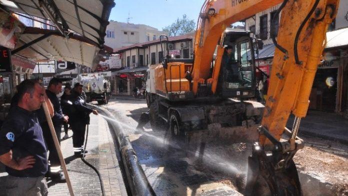 Manavgat Atatürk Caddesi Temiz Suya Kavuşacak