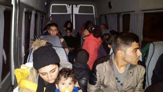 Edirne'de 67 Suriyeli yakalandı, 3 organizatör tutuklandı