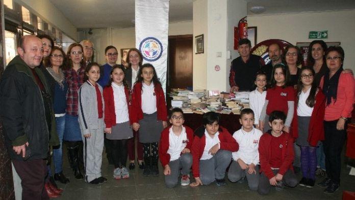 'Kütüphane Kuruyoruz' Projesine İlk Destek Geldi