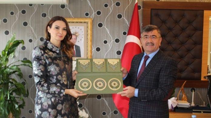 Niğde Belediye Başkanı Faruk Akdoğan Ve Azerbaycan Milletvekili Dr.pashayeva'dan Ortak Mesaj;