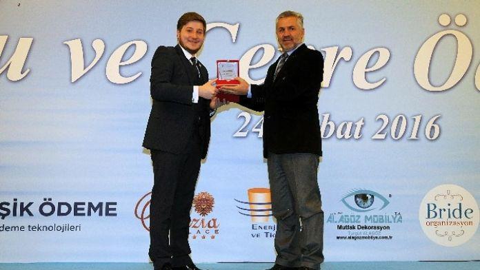 Başkan Çetin'e Çevrecilik Ödülü