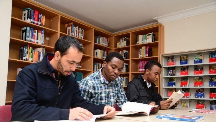 140 Ülkeden Abtü'ye Öğrenci Gelecek