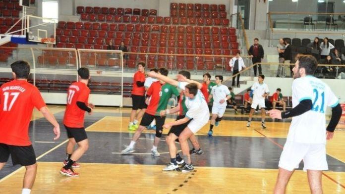 Genç Hentbolcular Yarı Finalde