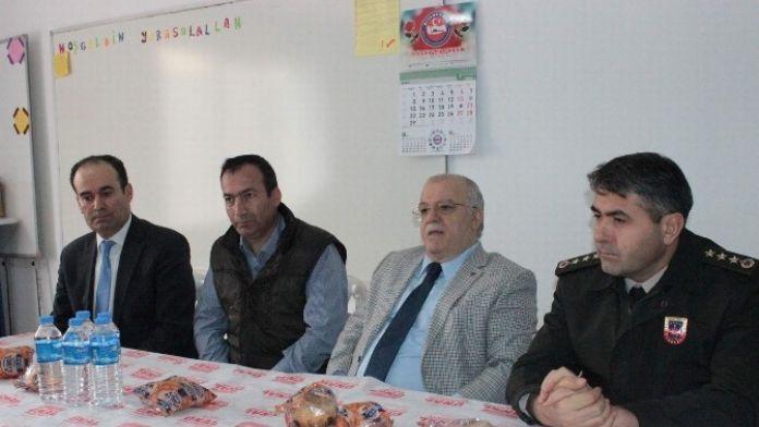 Kırşehir Valisi Necati Şentürk Cansel'in Ailesini Ziyaret Etti