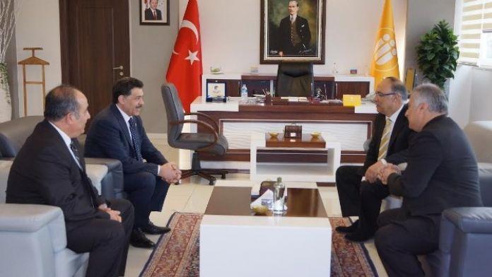 Azerbaycan Milletvekili Hüseynov'dan, Rektör Çelik'e Ziyaret