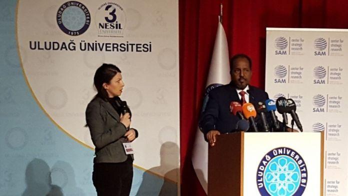 Somali Cumhurbaşkanı üniversite öğrencilerine seslendi