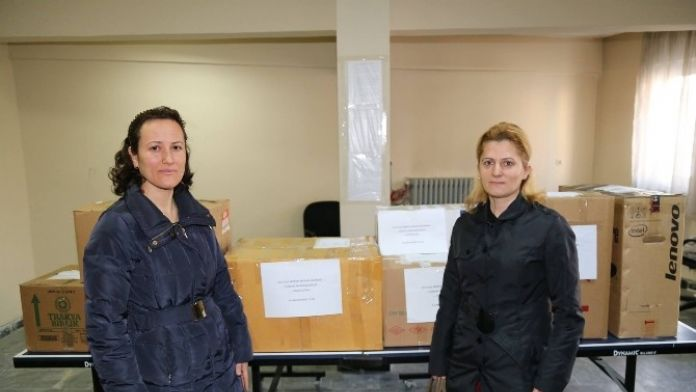 Oltu'daki Polis Eşlerinden Güvenlik Güçlerine Destek