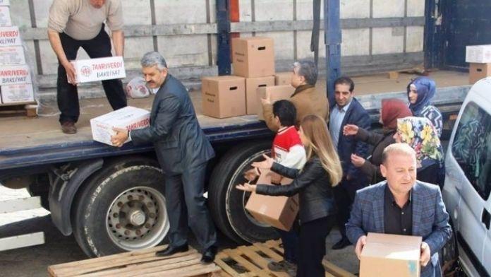 AK Parti'nin Yardımları Sürüyor