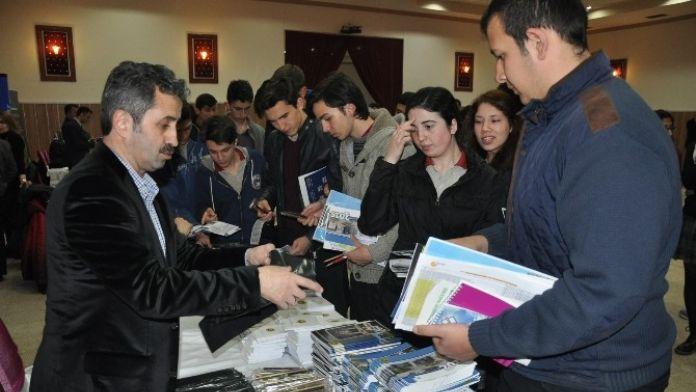 Üniversite Ve Meslek Tanıtım Fuarı Açıldı