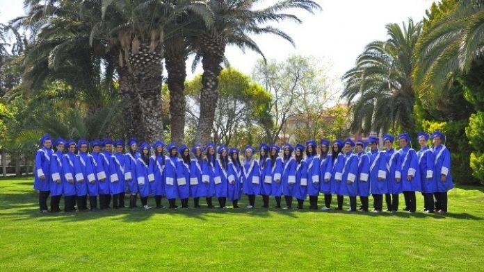 Çakabey Okulları LYS'de İzmir İkincisi Oldu