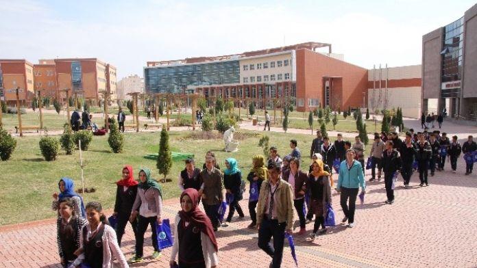Üniversite Musabeyli Lisesi Öğrencilerini Ağırladı