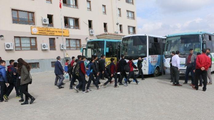 Şanlıurfa Büyükşehir Belediyesinden Öğrencilere Sinema Keyfi