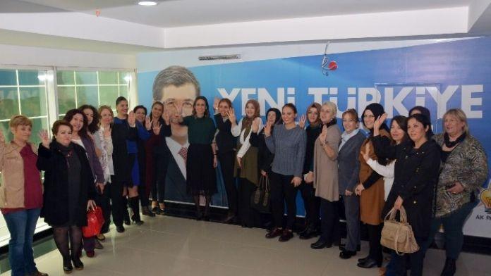 AK Kadınlardan Başbakan'a Doğum Günü Videosu