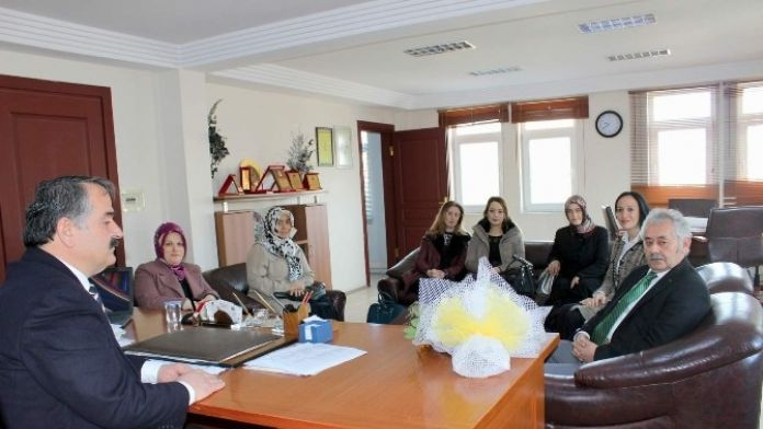 Ege Kimya Ortaokulu Okul Aile Birliği Başkan Karakullukçuyu Ziyaret Etti