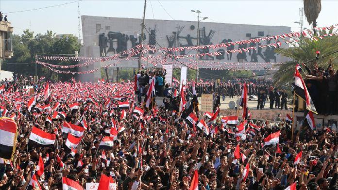Sadr'dan Bağdat'ta hükümet karşıtı gösteri