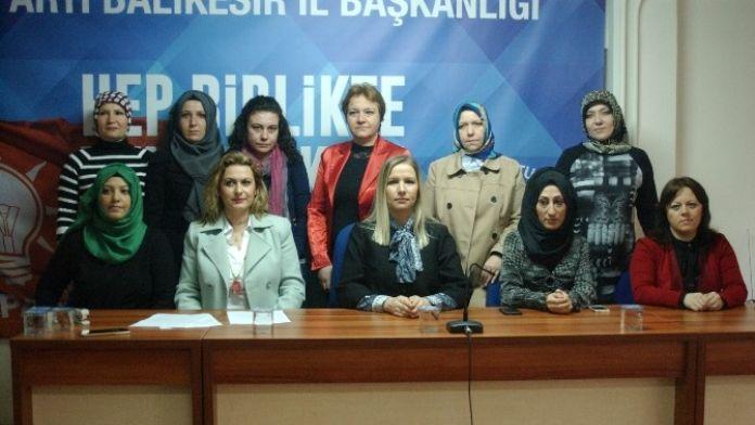 AK Kadınlar Hocalı Katliamını Unutmadı