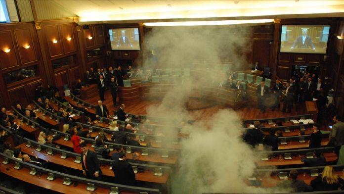Kosova meclisinde seçim gerginliği