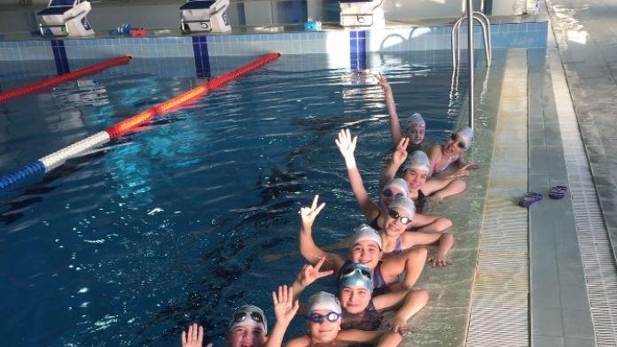 Düzceli Yüzücüler Yarı Finale Hazırlanıyor