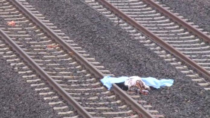 Eşiyle arası bozulunca kendisini trenin altına attı