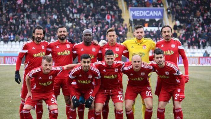 Medicana Sivasspor 3 puan peşinde