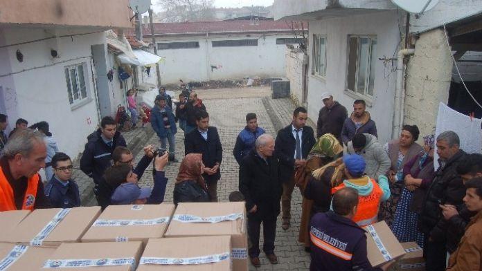Roman Vatandaşlara Erzak Yardımı