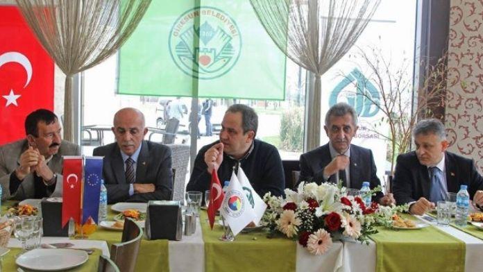 Başkan Aksu'dan Siyasilere Uyarı