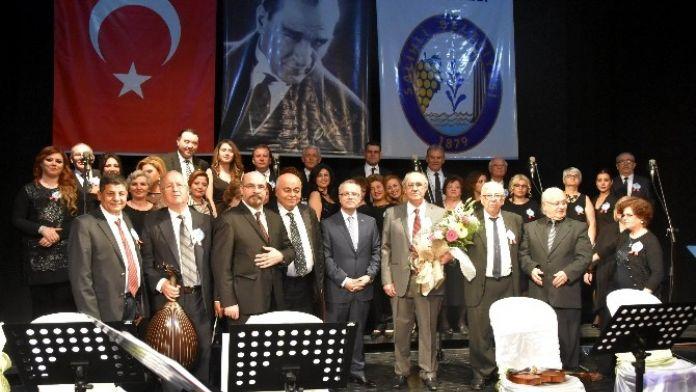 Salihli'de Gönülden Gönüle Konseri Büyüledi