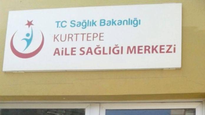 Sağlıkçılar Kapıya 'Cenazemiz Var' Yazılı Kağıt Asıp, Sağlık Merkezini Kapattı