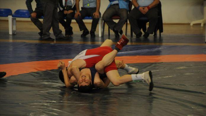 Güreş: Okullararası Türkiye Şampiyonası
